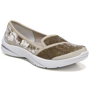 BZees LAKESIDE ATHLETIC White Flat Shoes Women